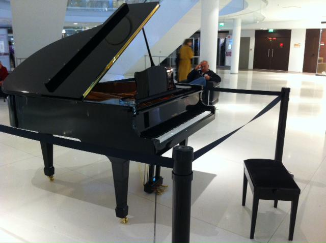 ... piano numerique et accessoires. image2